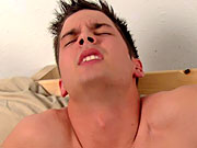 twinks Straight guy gets blowjob from another guy for first time